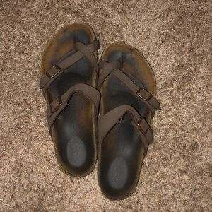 Birkenstock Toe Sandals